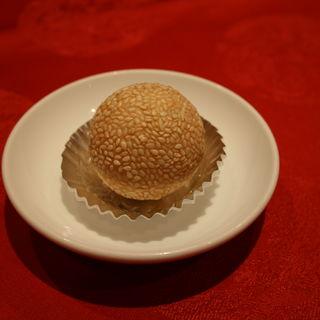 ごま団子(上海大飯店)