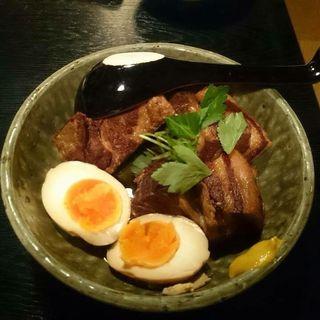 豚の角煮と煮卵(くりや)