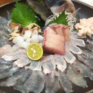 名物!瀬戸内盛り(ハギ穴子タコ西貝(魚市場 小松 (こまつ))