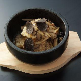 トリュフとキノコの土鍋( SATSUMA KING 中目黒本店)