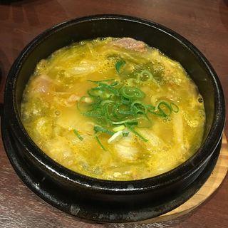 牛すじと白菜の具だくさんスープ(李朝園 京橋店 (リチョウエン))