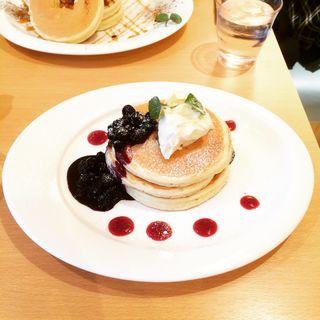 ブルーベリークリームチーズパンケーキ(オハナ (OHANA))
