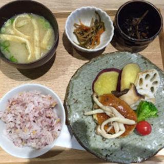 一汁三菜メニュー おろし豆腐ハンバーグ(かんみこより 川西阪急店 )