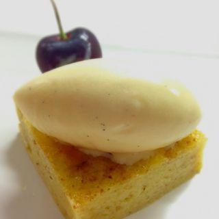 チーズケーキ アイス添え(サリーヴ (SALIVE))