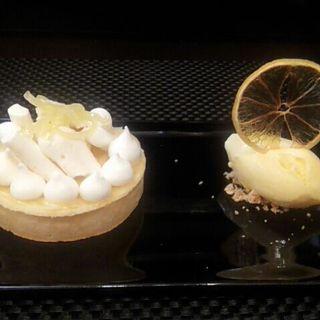 ホワイトチョコのケーキ( Saint FAUCON)