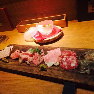 肉盛り 7種(ニクスペシャリテ・マクラ (NIKU SPECIALITE Macra))