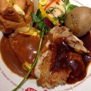 こだわり桜姫鶏ステーキとオムライス(ヒルトップ レイチェル カフェ ららぽーと立川立飛店 )