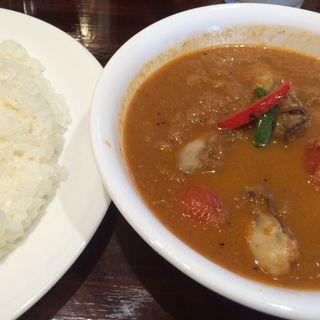 カキとプチトマト(curry 草枕)