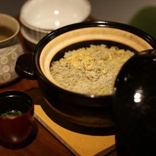 しらすの土鍋(初代割烹高橋)