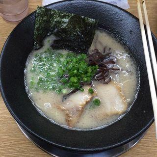とんこつラーメン(麺酒場寅衛門 )