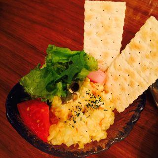 赤城山麓自然卵とじゃがいもの卵サラダディップ クラッカー添え(杜のごはん屋チェリッシュ珈琲)