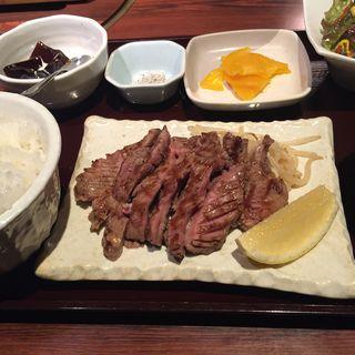 牛タン定食(炭火焼神戸牛いく田 (イクタ))