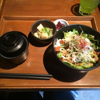 茶美豚の煮豚丼セット(伊右衛門サロン (IYEMON SALON KYOTO))