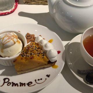 ケーキセット(ケーキ1種+プチデザート+ドリンク)(ポンム (POMME))