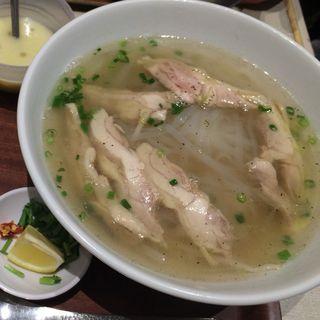 鶏肉のフォーセット(バインセオ サイゴン 有楽町店 )