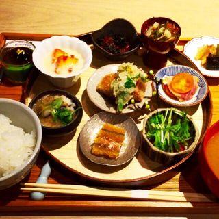 迎春小鉢膳(お漬物/お味噌汁付)(アコメヤトウキョウ (AKOMEYA TOKYO))