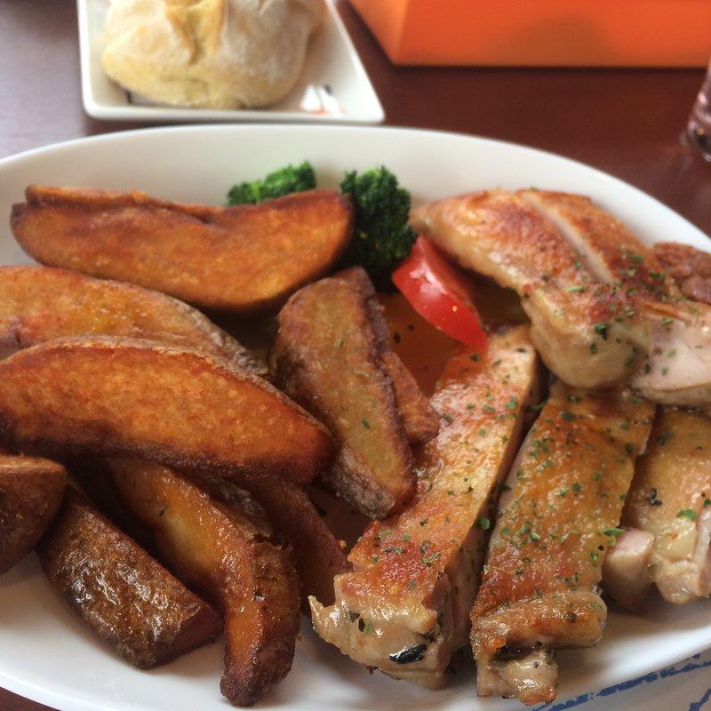 Aランチ 鶏肉のローズマリー漬けオーブン焼き