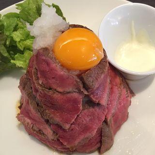 ローストビーフ丼(八ヶ岳)(熟成肉バル ティンバー (熟成肉バル Timber))