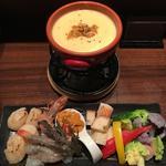 雲丹と魚介のチーズフォンデュ