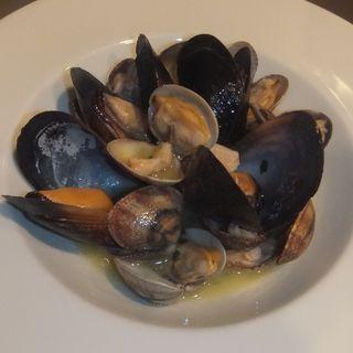 ムール貝とアサリの酒蒸し(トラットリア コダマ)