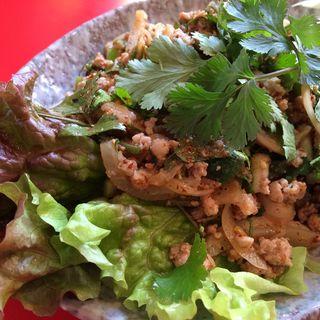 ラープムー(タイの挽肉サラダ)(プーピン )
