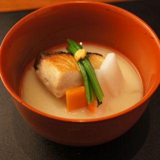 鰆の塩焼き 椀物(日本料理 TAKEMOTO (タケモト))