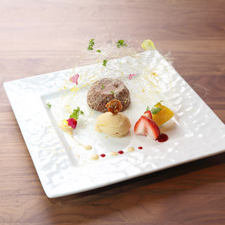 本日の自家製アイス(TI DINING (【旧店名】TI DOCTORS RESTAURANT))