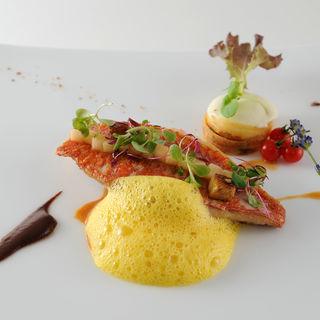 真鯛のグリル( レストラン タテル ヨシノ 芝)
