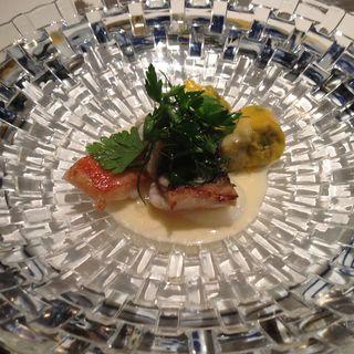 鰆とカニのグリル(ラ・グランターブル・ドゥ・キタムラ (La Grande Table de KITAMURA))