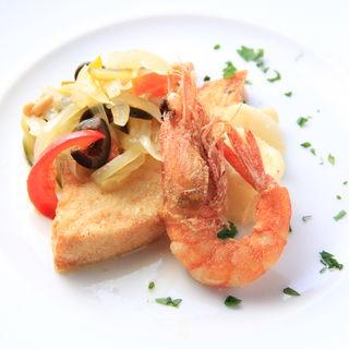 メカジキと魚介のフリット、香味野菜添え(トラットリア ガルガ)