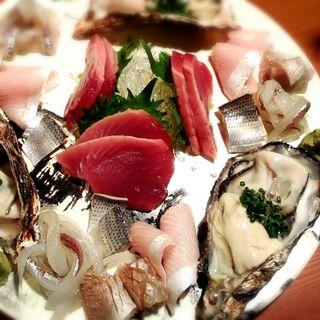 鮮魚の大皿盛り(大漁光 )