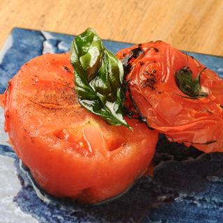 トマトの炭火焼き(うふふ 新宿住友ビル店 炭火焼・熔岩焼 SUMIBI DINING)