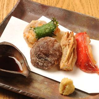 季節の天麩羅(うふふ 新宿住友ビル店 炭火焼・熔岩焼 SUMIBI DINING)