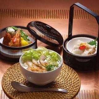 たっぷり野菜とチキンのフォーセット(Vietnam Alice)