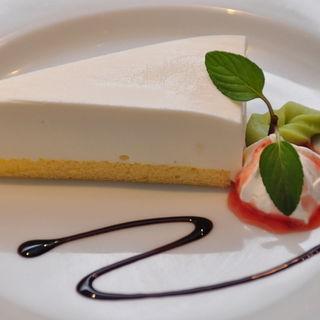 レアチーズケーキ(Verdi Dining Restaurant (ヴェルディダイニングレストラン))