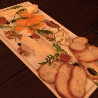チーズの盛り合わせ(イタリアングリル シトリーノ (Citrino))