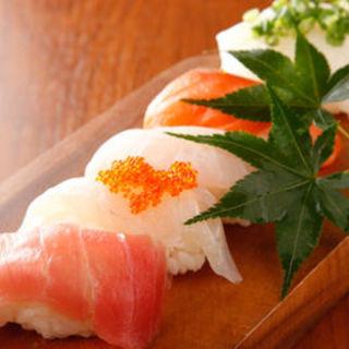 五種の握り寿司(ふくまめ )