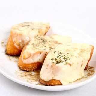 モッツアレラチーズのトースト~アンチョビバターソース~(Solare (-ソラーレ-))