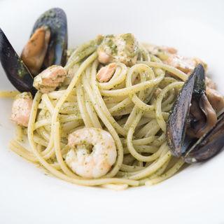 海老とムール貝のジェノバソースパスタ(WINE STYLE Italian Kitchen (ワインスタイルイタリアンキッチン))