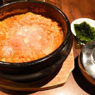 シンチゲ(卵チーズ入り辛ラーメン)(熱風食堂Typhoon 秋葉原店 (ネップウショクドウ・タイフーン))