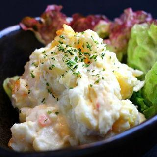 燻製ポテトサラダ(秋葉原バル モンパカ )