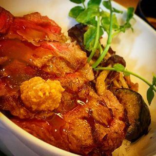 アンガスサーロインステーキ丼(ロイヤルホスト 東松山店 )