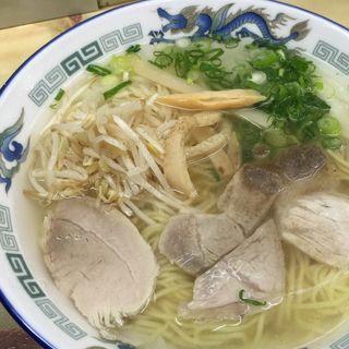 ワンタン麺(新生軒 (しんせいけん))