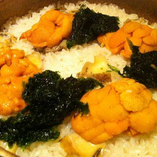 雲丹とアワビの土鍋(分とく山 飯倉片町)
