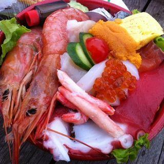 海鮮丼(唐戸市場 活きいき馬関街 (いきいきばかんがい))