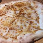 レンコンカレーピザ