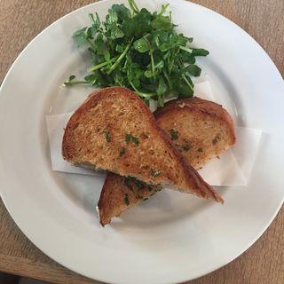 モッツァレラとセージのホットサンドイッチ(bills 横浜)