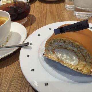キャラメルロールケーキセット(喫茶千利 )