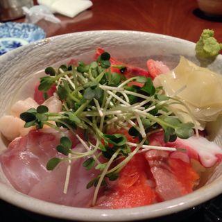 海鮮丼(七代目 寅 (ななだいめ とら))