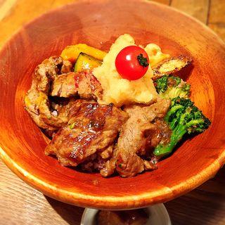 牛おろしステーキ丼(ABC Canteen (【旧店名】おいもクリームと真面目ごはん。))